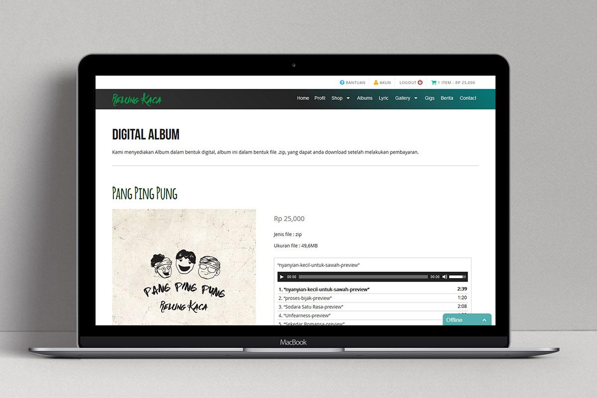 5 Relung Kaca Band Web Design Mocup